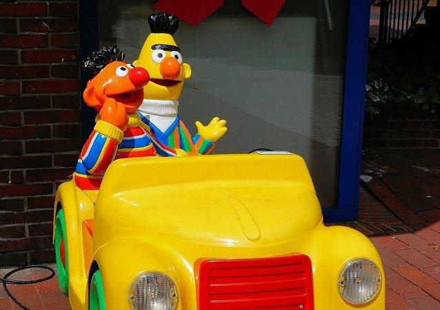 Beto y Enrique (también conocidos como Blas y Epi o Bert y Ernie) de Plaza Sésamo