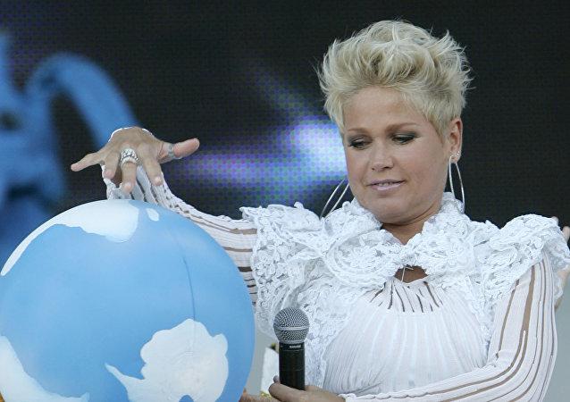 Xuxa, cantante y presentadora brasileña