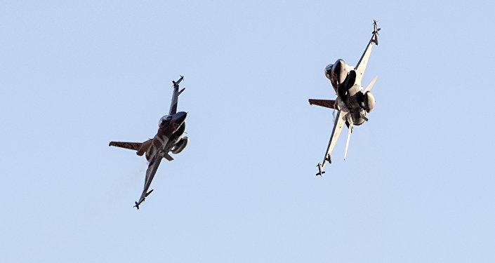 Cazas F-16 de las Fuerzas Aéreas israelíes (archivo)
