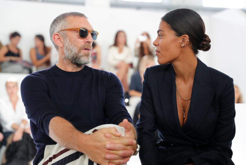 La modelo Tina Kunakey y su esposo, el actor francés Vincent Cassel.