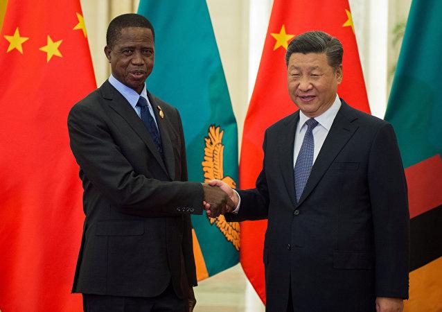 Edgar Lungu, presidente de Zambia, y Xi Jinping, presidente de China (archivo)