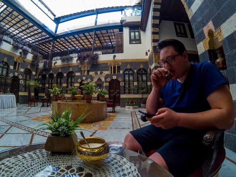 Jorgo en un hotel de Damasco