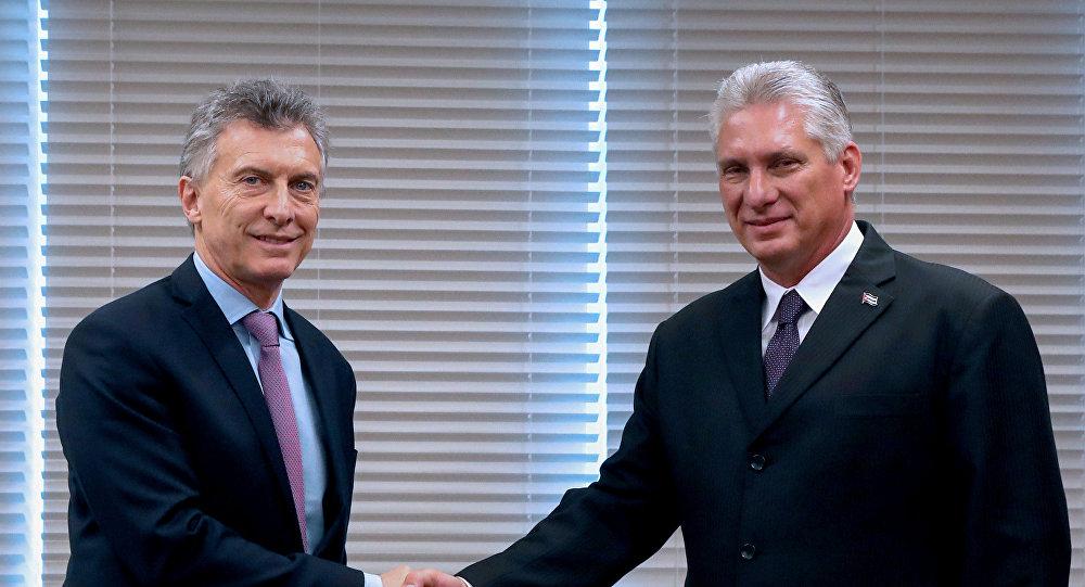 Miguel Díaz-Canel, presidente de Cuba y Mauricio Macri, presidente de Argentina