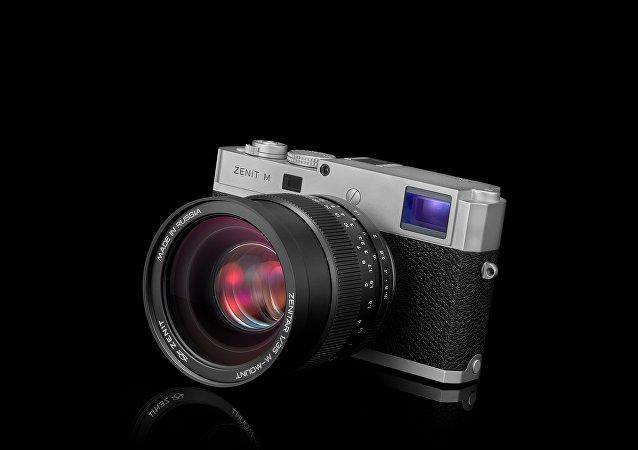 Zenit M, nueva version de la cámara fotográfica rusa