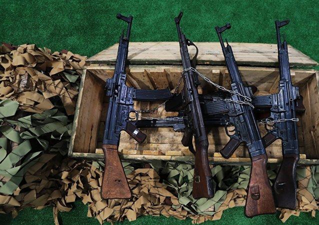Los fusiles de asalto alemanes Sturmgewehr 44 (imagen referencial)