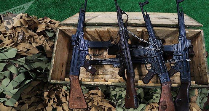 Los fusiles de asalto alemanes Sturmgewehr 44 se utilizaron durante la Segunda Guerra Mundial