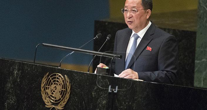 Pompeo se muestra satisfecho tras encuentro con Kim Jong-un