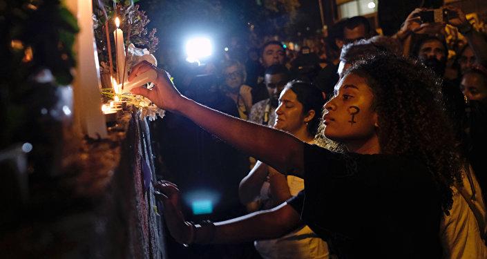 Homenaje a  Marielle Franco, consejala brasileña asesinada en Río de Janeiro