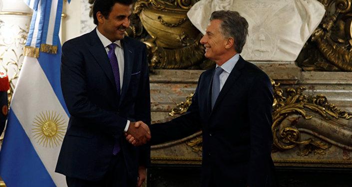 Macri recibe al emir de Qatar, junto a más de 140 empresarios