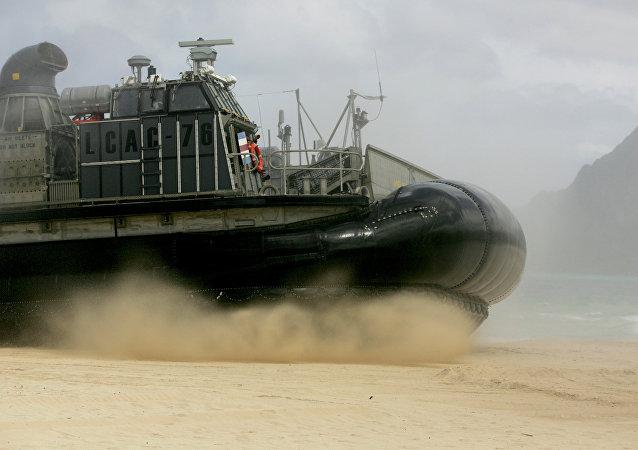 Un vehículo anfibio de EEUU