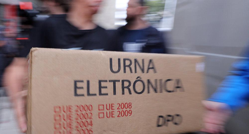Urna electoral en Brasil