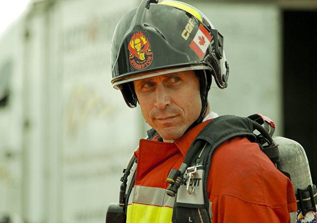 Un bombero canadiense (imagen referencial)