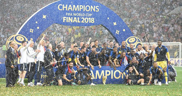 Selección de Francia celebrando el título de campeón