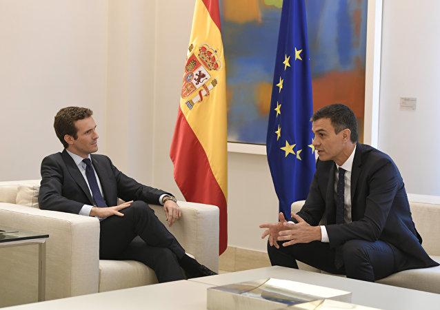 El presidente del Partido Popular, Pablo Casado, y, el presidente del Gobierno español, Pedro Sánchez (archivo)