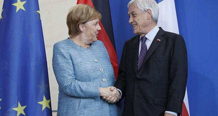 La canciller (jefa de Gobierno) de Alemania, Angela Merkel, y el presidente de Chile, Sebastián Piñera