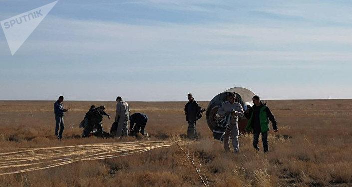 Cápsula de la nave Soyuz MS-10 tras el aterrizaje de emergencia