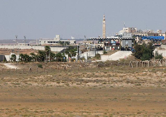 Vista del puesto de control fronterizo sirio cerca del cruce fronterizo de Nasib entre Jordania y Siria