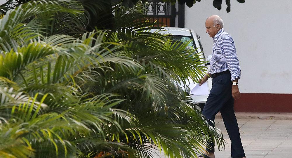 Mobashar Jawed Akbar, ministro de Estado indio para Asuntos Exteriores