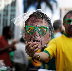 La máscara del candidato presidencial ultraderechista Jair Bolsonaro (imagen referencial)