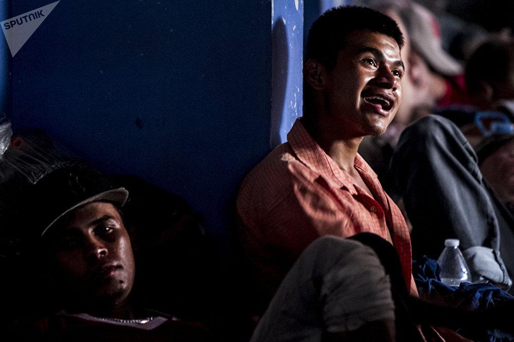 Migrantes centroamericanos se preparan para seguir su camino al norte de México