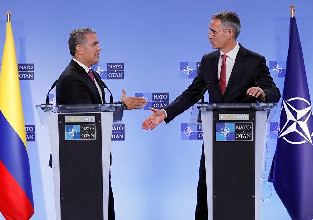 Iván Duque, presidente de Colombia, y Jens Stoltenberg, secretario General de la OTAN