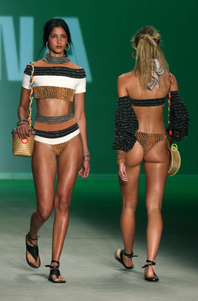 Modelos brasileñas exhiben las nuevas tendencias veraniegas en Sao Paulo