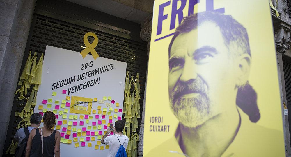 Cartel con la imagen de Jordi Cuixart, el presidente de la asociación soberanista Òmnium Cultural