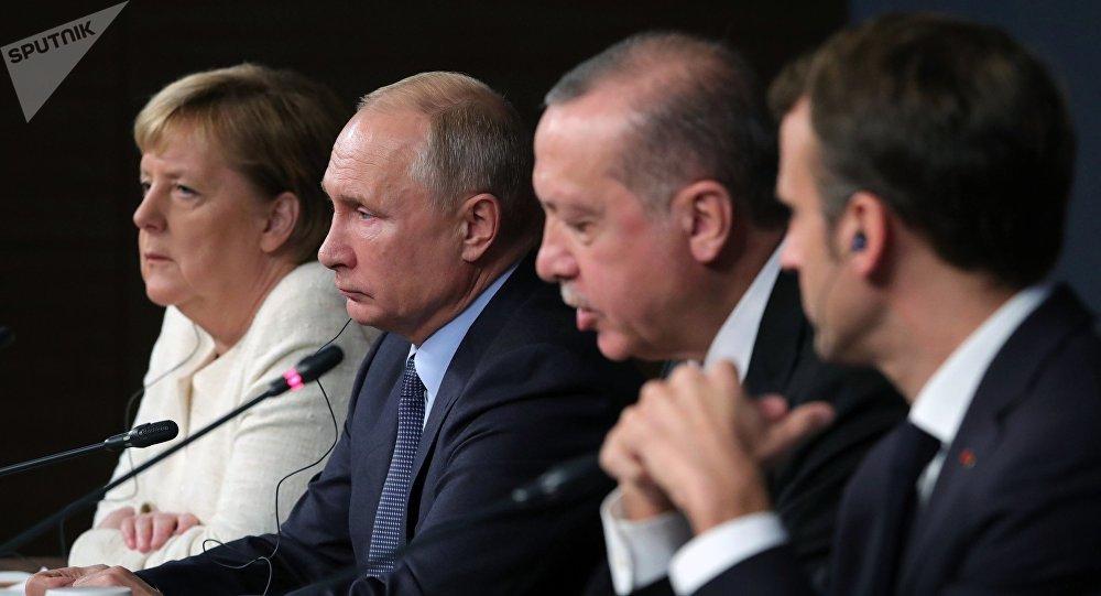 Los líderes de Alemania, Rusia, Turquía y Francia en la cumbre a cuatro bandas sobre Siria es Estambul