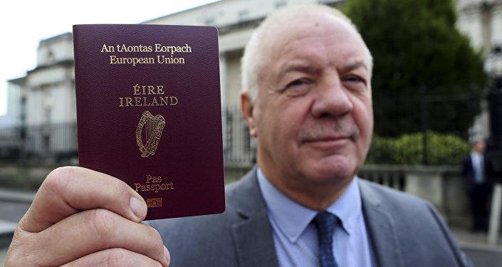 Pasaporte irlandés (imagen referencial)
