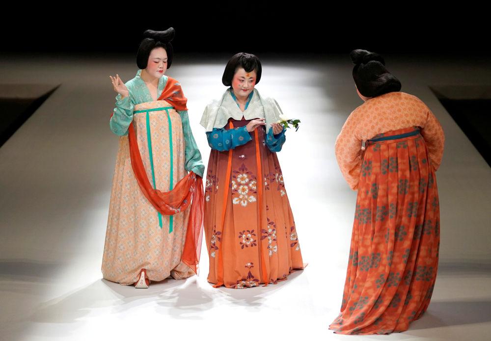 Belleza, tradición y vanguardia asiáticas: la Semana de la Moda de Pekín