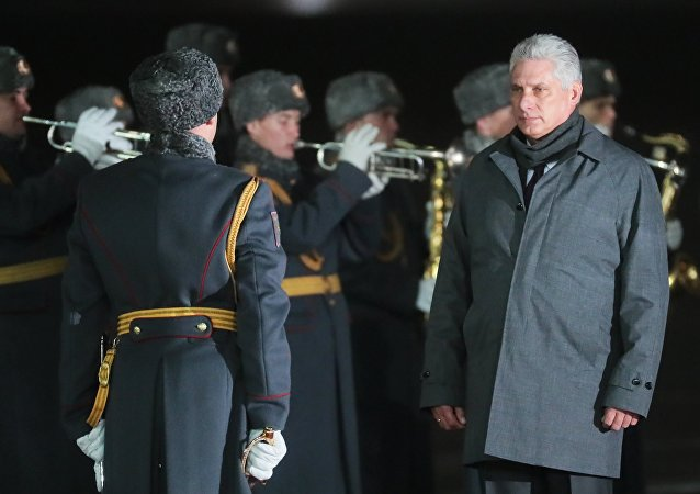 Miguel Díaz-Canel, presidente de Cuba, llega a Rusia (archivo)