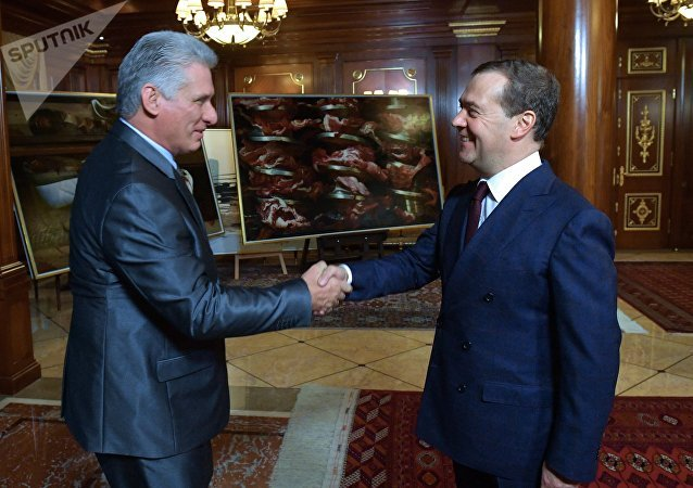 Presidente cubano, Miguel Díaz-Canel Bermúdez, y primer ministro ruso, Dmitri Medvédev