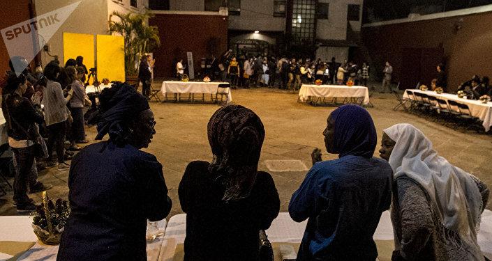 Mujeres de Senegal reciben en México a la Caravana de madres centroamericanas