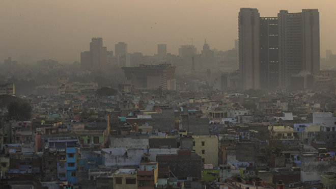 Los crecientes niveles de urbanización, unido a la constante falta de agua y altos índices de contaminación atmosférica, son un problema que ponen en riesgo la vida de millones de hindúes