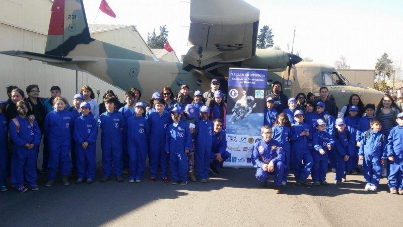 En 2017 el proyecto Escuela de Astronautas obtuvo el premio al Emprendimiento del Banco del Estado de Chile