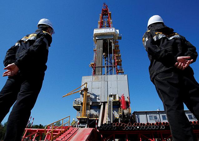 Extracción de petróleo en Rusia (archivo)