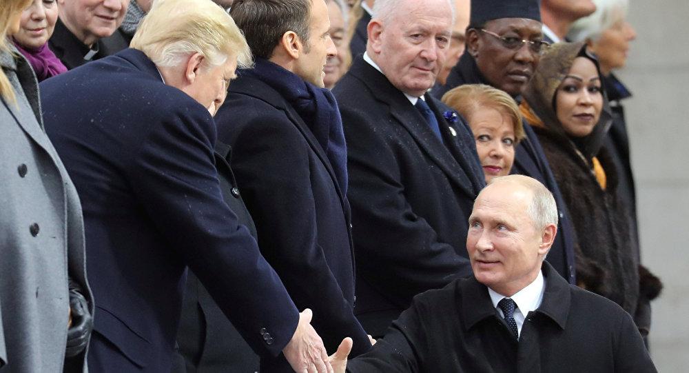 Presidente de EEUU, Donald Trump, y presidente ruso, Vladímir Putin, en París
