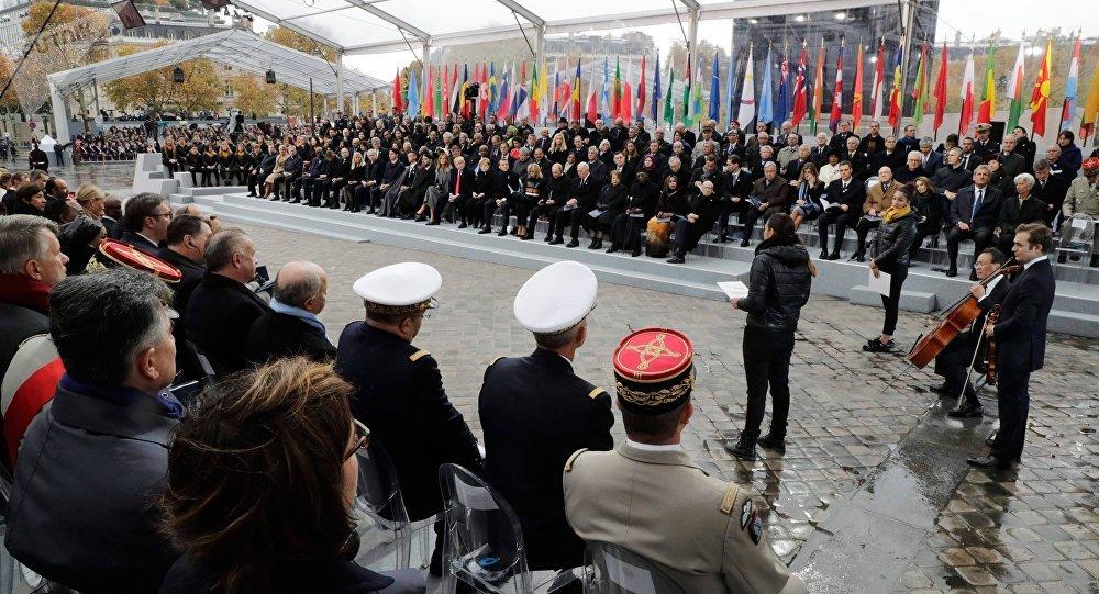 Ceremonia de la conmemoración del centenario del fin de la Primera Guerra Mundial en París