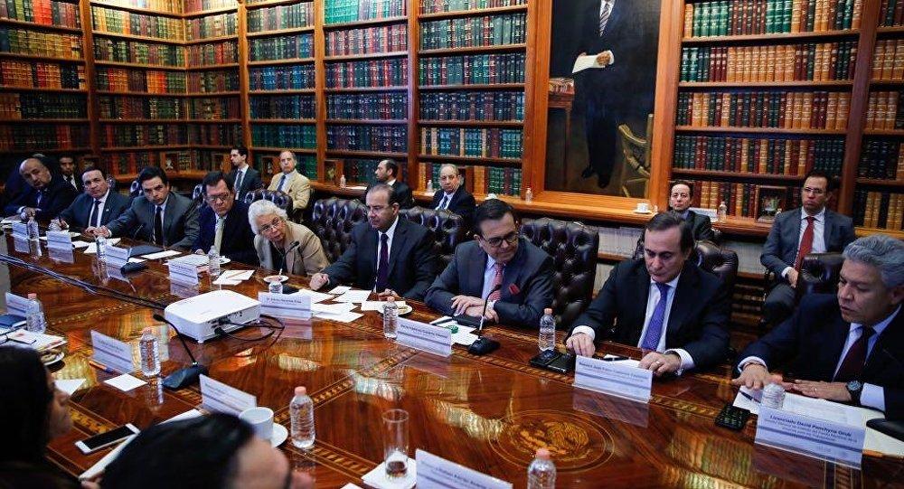 Iniciativa privada y Gobierno analizan acciones en beneficio de caravana migrante