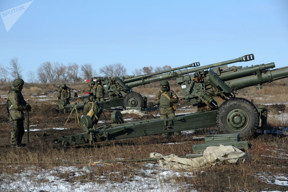 Lanzacohetes y obuses en acción: así son los Grad y Msta rusos