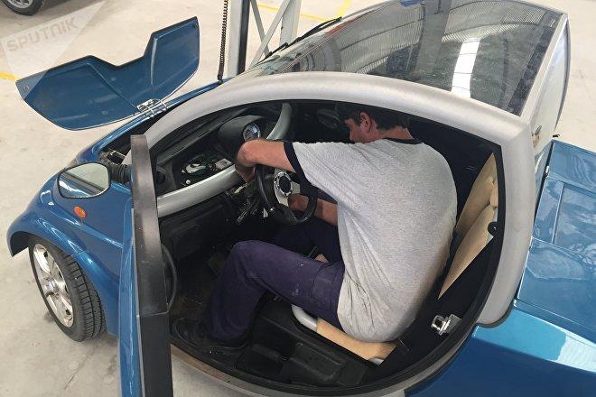 Interior de  un modelo de los autos eléctricos Sero Electric
