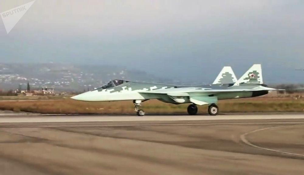 Los novedosos cazas Su-57 surcan los cielos sirios