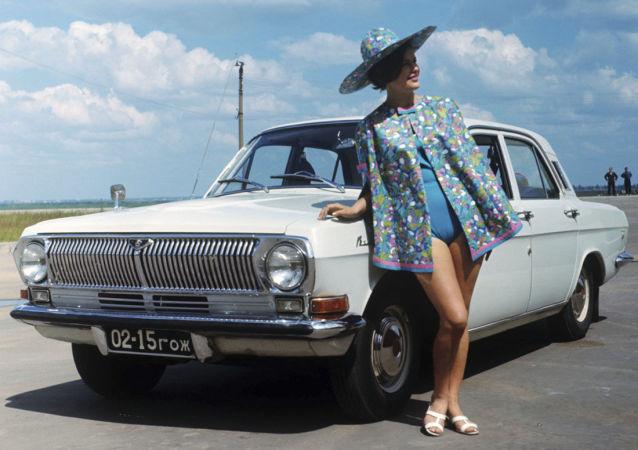 El sexo sí que existía en la URSS, sobre todo en la publicidad de autos