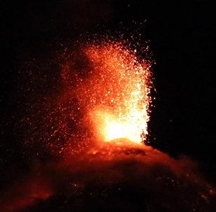 Nueva erupción del peligroso volcán de Fuego en Guatemala