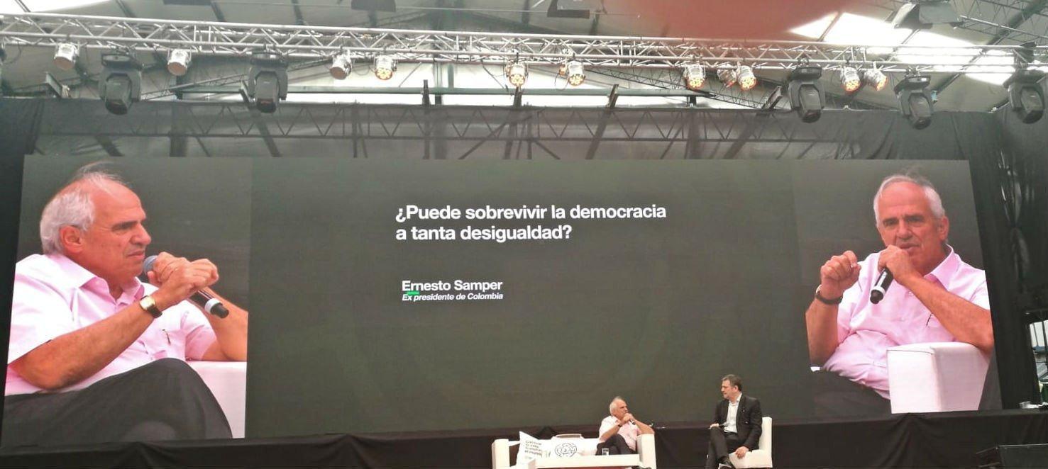 Ernesto Samper en el Primer Foro Mundial de Pensamiento Crítico, Buenos Aires, Argentina