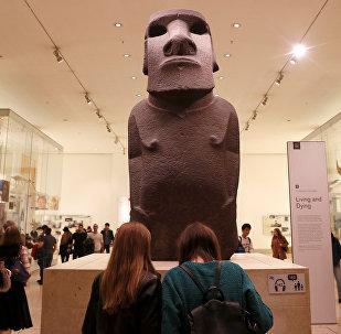 Hoa Hakananai'a, el moái del pueblo rapa nui robado de la isla de Pascua y expuesto en el Museo Británico de Londres