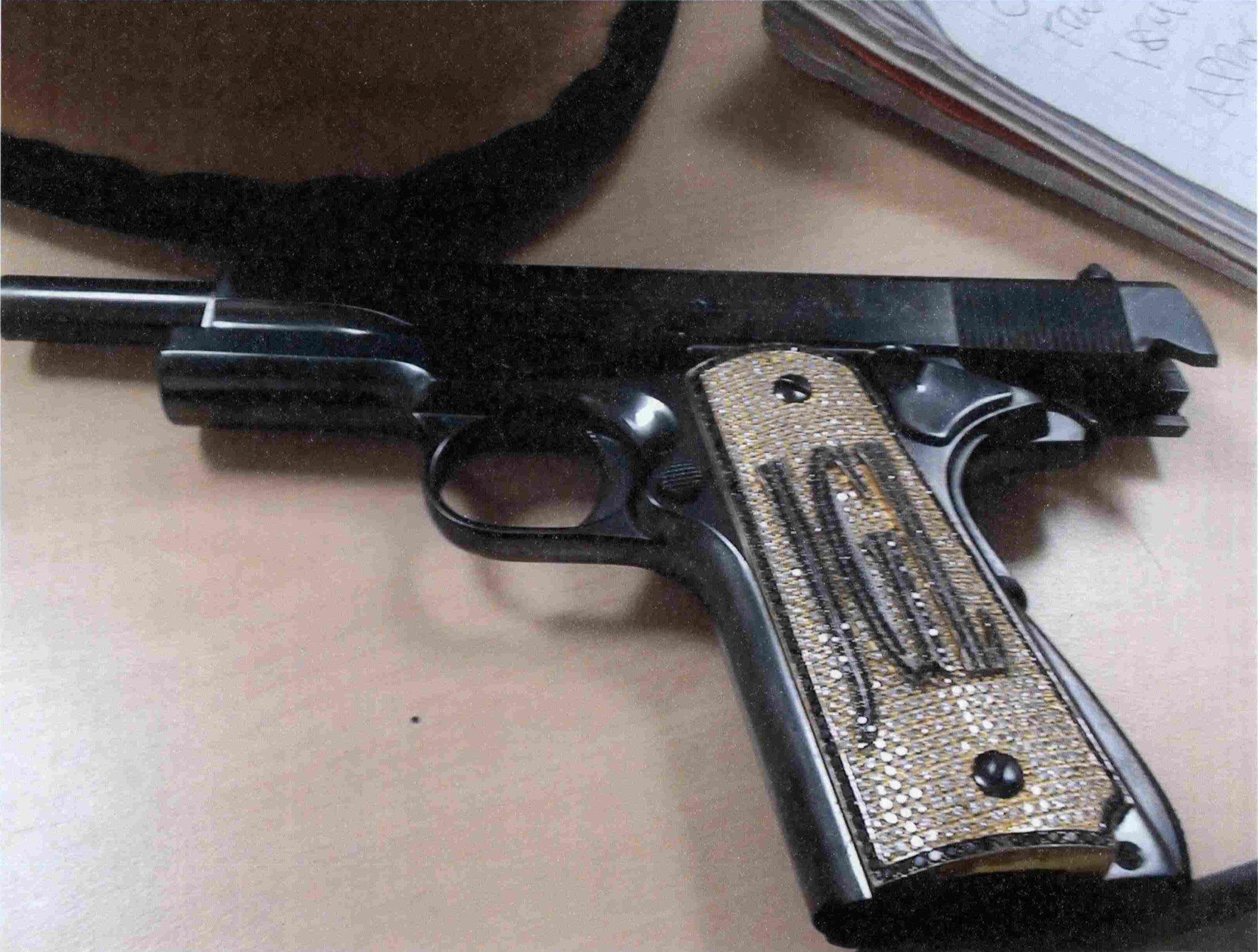 La pistola favorita del narcotraficante y criminal mexicano Joaquín 'Chapo' Guzmán