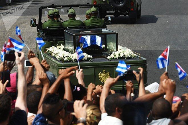 Cortejo fúnebre con las cenizas de Fidel Castro