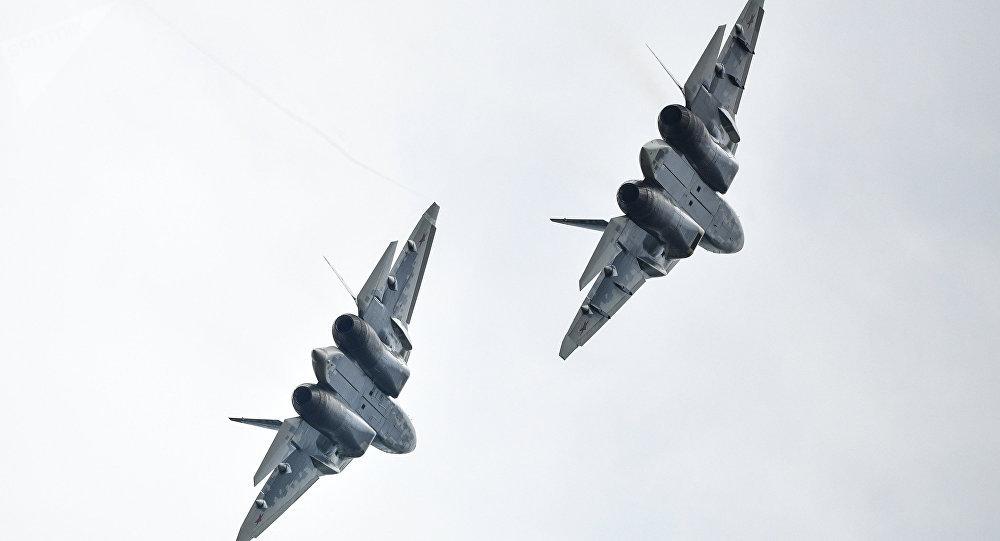 Dos cazas Su-57 (imagen referencial)