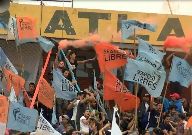 Grandes protestas en las calles de Buenos Aires contra el G20 y el FMI